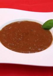 Bolognese aus Pferdefleisch auf Teller